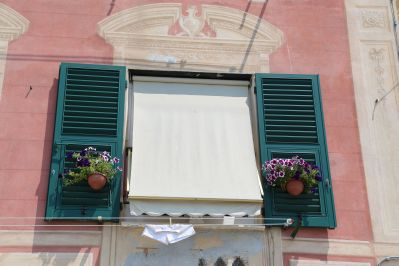 Trompe l'oeil above window