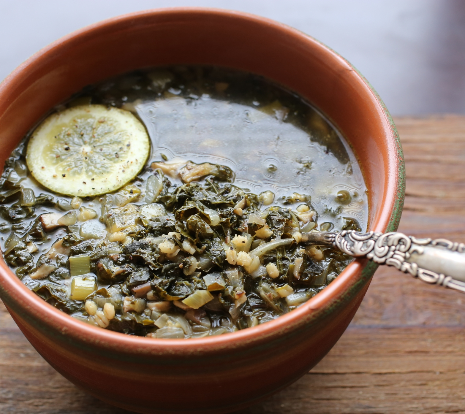 Green Soup with Mushrooms