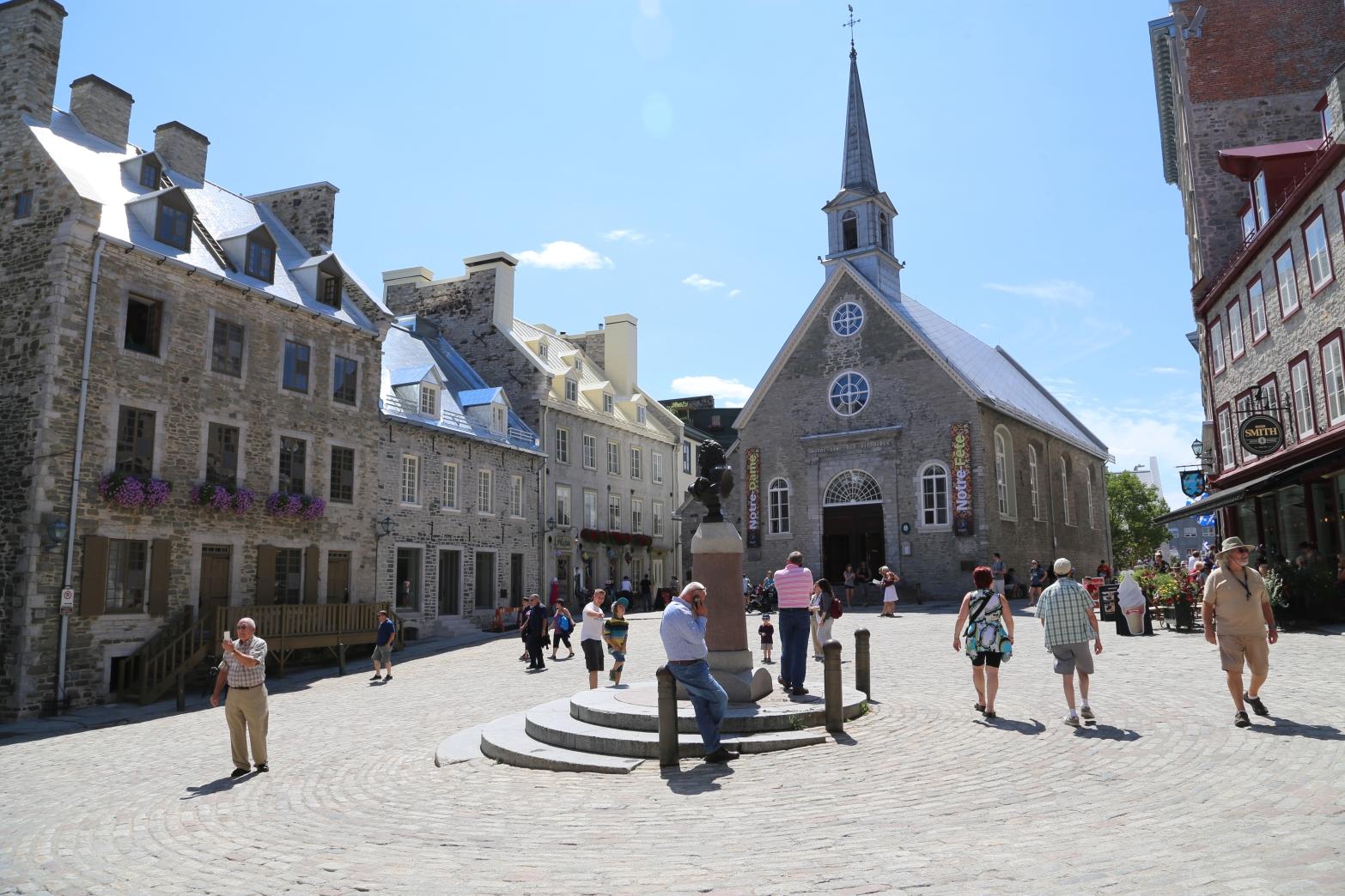 Notre Dame Des Victoires, Place Royale