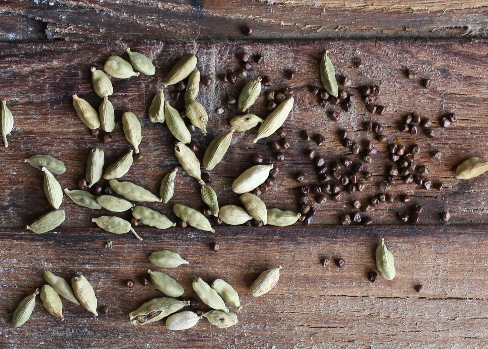 cardamom pods and seeds