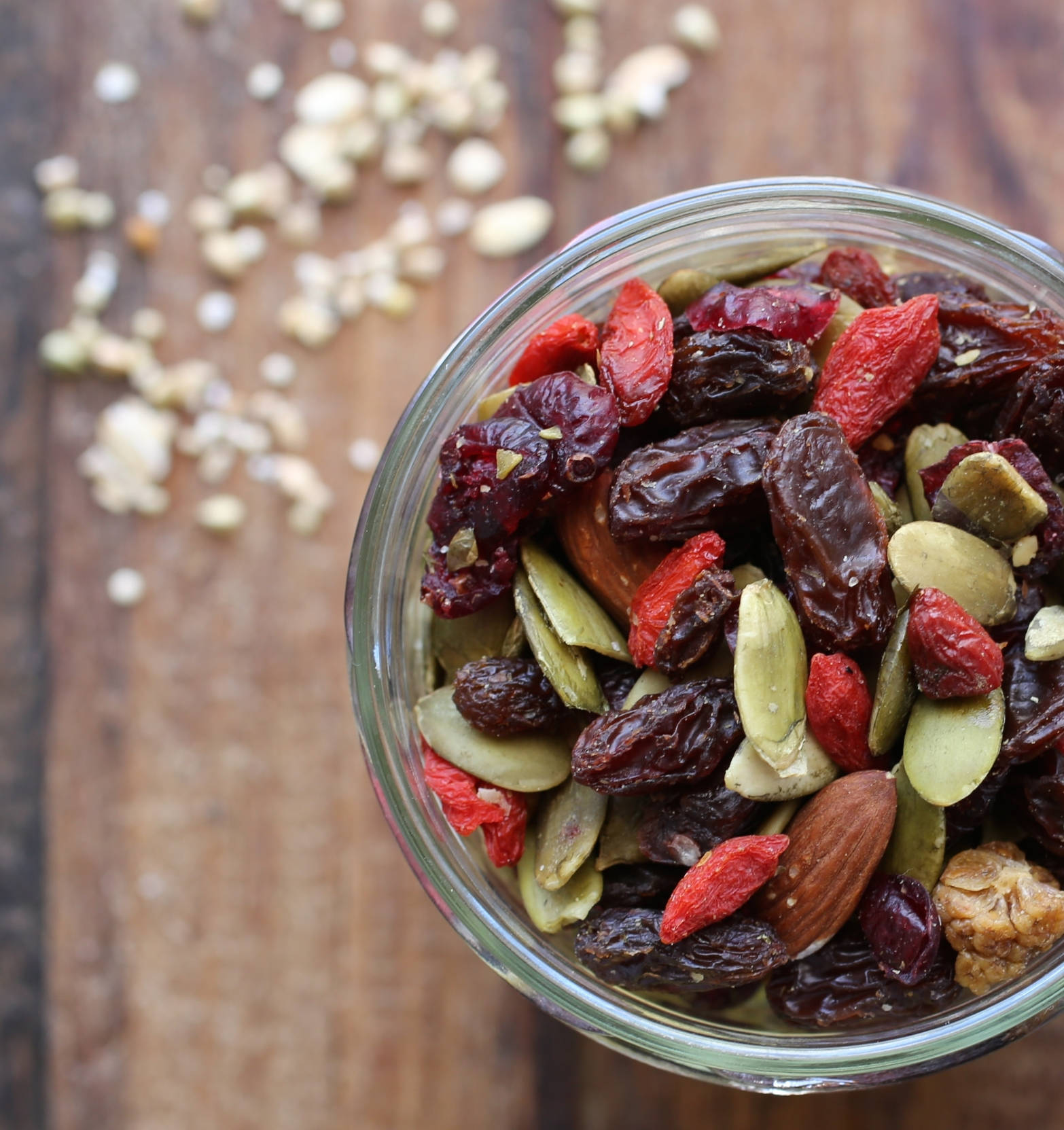 High Antioxidant Blend: raisins, pumpkin seeds, almonds, walnuts, goji berries, cranberries, mulberries