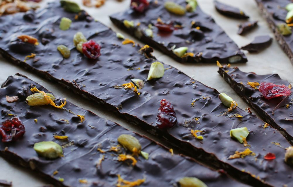 Granola Chocolate Bark