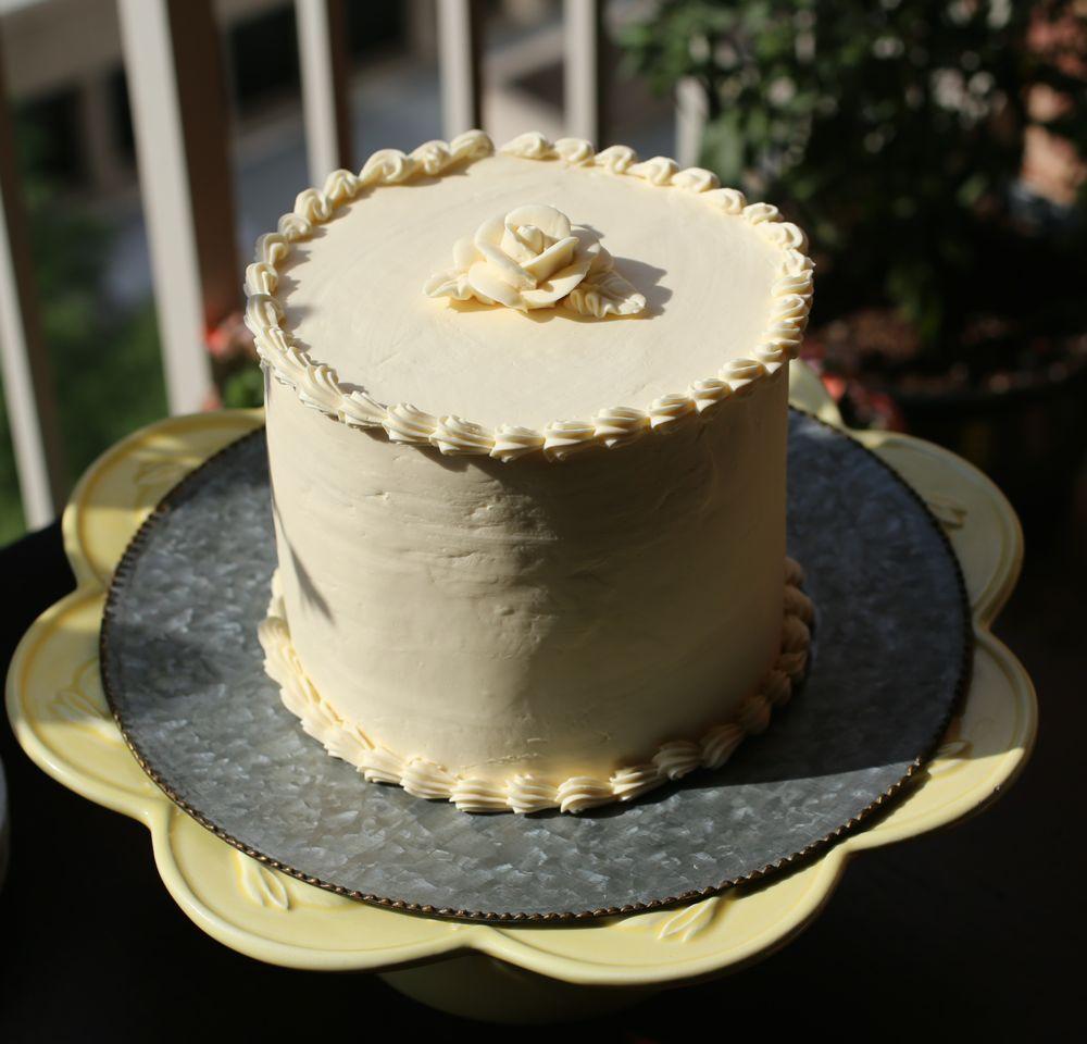 Cake Decorating Italian Buttercream : Double Chocolate Cake with Lemon Italian Meringue ...